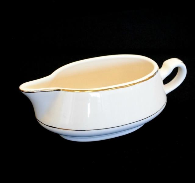 Where to find GRAVY BOAT W PLATE, IVORY in Newton